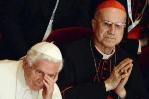 Papa-Benedetto-VI-con-il-Cardinale-Tarcisio-Bertone