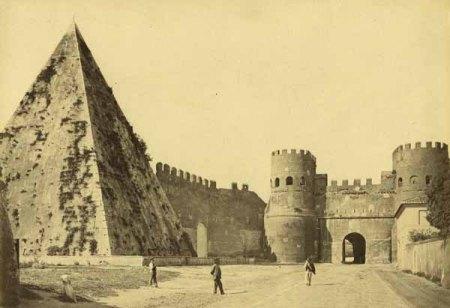 Roma, Piramide Cestia e Porta San Paolo